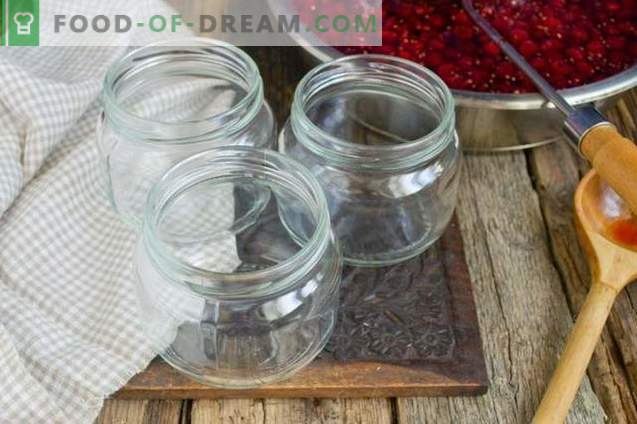 Confettura di lamponi spessa con bacche intere