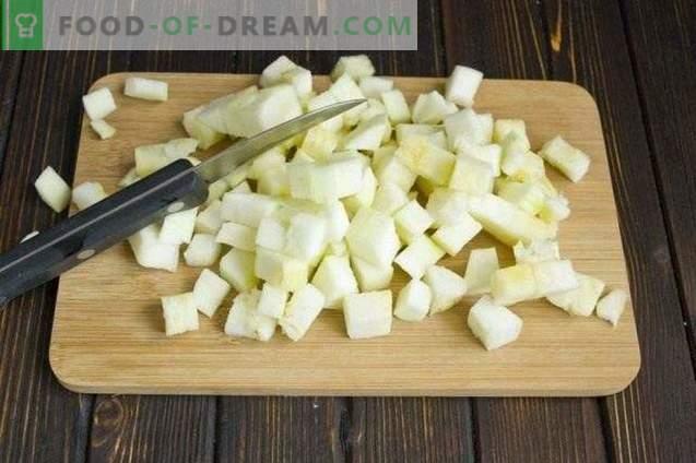 Zuppa di funghi con crema e zucchine