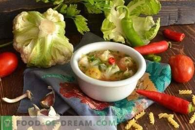 Zuppa vegetariana con cavolfiore