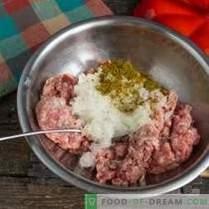 Polpette italiane o polpette in salsa di verdure