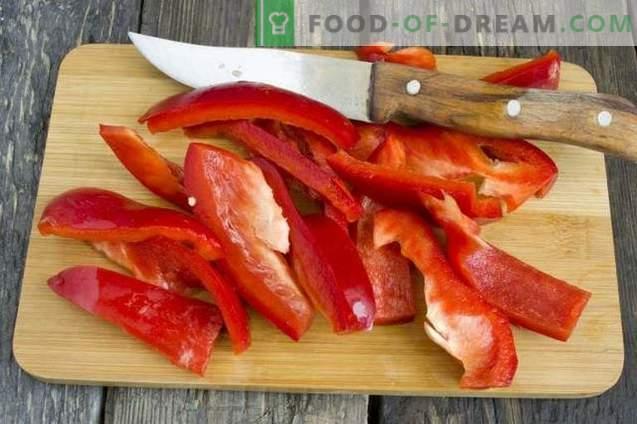 Omatehtud ketšup, mis on valmistatud värsketest tomatitest ja paprikast