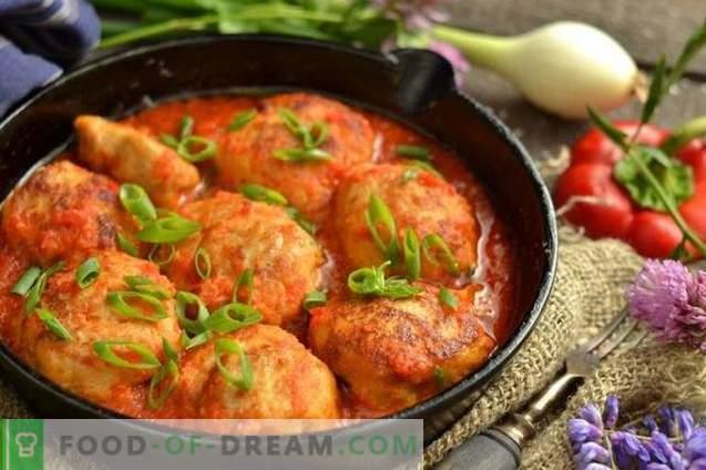 Polpette con salsa di pomodoro e peperone dolce