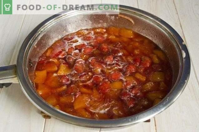 Marmellata di frutti di bosco da pesche, fragole e nettarine