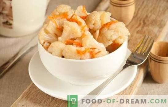 Il cavolfiore in stile coreano è uno spuntino piccante per ogni contorno! Marinare il cavolfiore in coreano con carote o pomodori