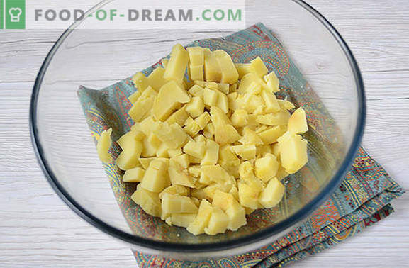 Insalata di patate con funghi - un piatto completo per un pranzo o una cena estiva. Ricetta passo-passo di insalata di patate con funghi