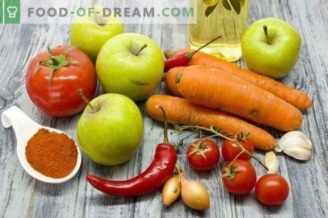 Tomatensauce mit Möhren und Äpfeln für den Winter