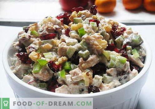 Insalata di pollo con prugne - le migliori ricette. Come cucinare correttamente e gustoso l'insalata di pollo con le prugne secche.
