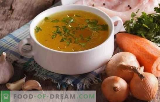 Przezroczysty rosół z kurczaka jest podstawą pysznych i pięknych zup. Jak rozjaśnić rosół z kurczaka i mięsa w domu