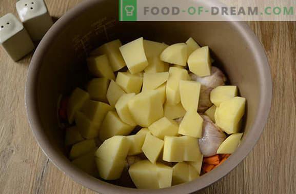 Come stufare le patate con il pollo in una pentola a cottura lenta: un'ottima cena in mezz'ora! Foto-ricetta passo-passo di spezzatino di pollo con patate in una pentola a cottura lenta