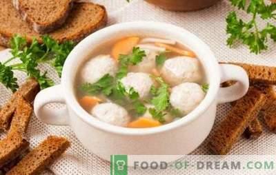 Zuppe con polpette di pollo - per bambini e adulti. Cucinare la zuppa con polpette di pollo casalinga, gustosa e buona