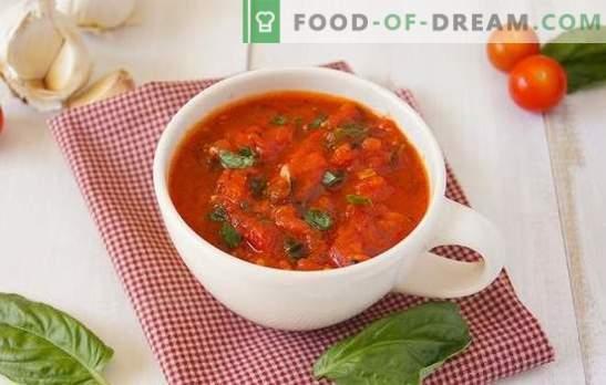 Adjika dai pomodori - così diversi! Semplice, speziato, con aglio o rafano, crudo o cotto: pomodori adjika per tutti i gusti