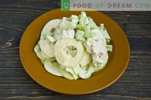 Waldorf-salade met kip en amandelen
