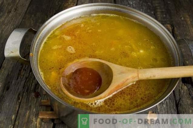 Супа со тиква, грав и свинско месо