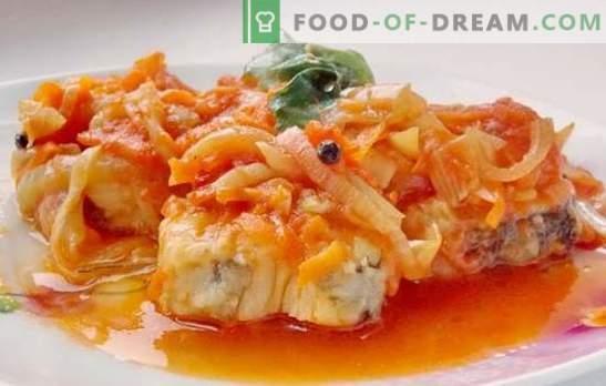 Il piatto principale è il merluzzo sotto la marinata. Ricette per merluzzo morbido e succoso sotto la marinata nel forno e pentola a cottura lenta