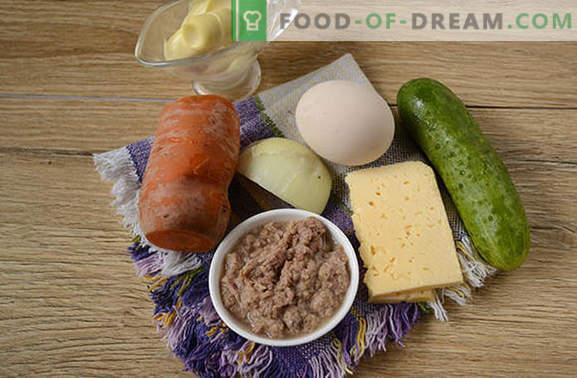 Insalata con tonno e carota: per una vacanza e per tutti i giorni. Passo dopo passo la foto-ricetta dell'autore per una semplice insalata con tonno in scatola