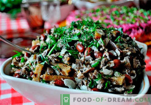Insalata con miele di agarichi - le migliori ricette. Come cucinare correttamente e gustoso un'insalata con funghi.