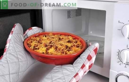 Ricetta della pizza nel microonde: gli italiani saranno scioccati da questo piatto! Ricette per pizza nel microonde con diversi ripieni