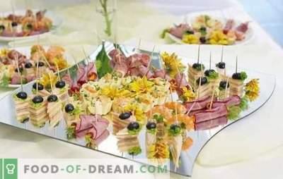 Snacks op de buffettafel: vis, vlees, kaas, champignons, bessen. Opties hapjes op de buffettafel en de regels van hun indiening
