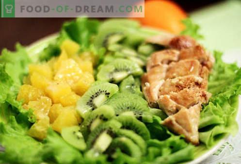 Insalate di kiwi - una selezione delle migliori ricette. Come insalate cotte correttamente e gustose con kiwi.
