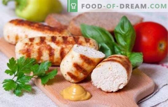 salsicce delicate e succose a base di pollo tritato. Semplici ricette per fare salsicce fatte in casa con pollo tritato