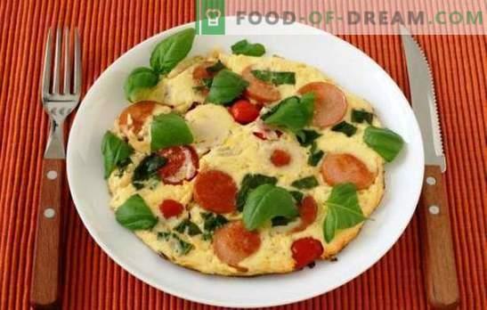 Omelette semplici con pomodori e salsiccia - una tradizione! In forno o in padella - omelette con pomodoro e salsiccia