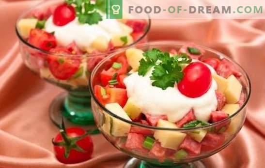 Sałatka z kiełbasą i serem: szybkie przepisy. Różnorodne składniki i cechy sałatek do gotowania z kiełbasą i serem