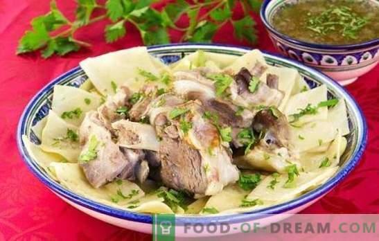 Beshbarmak: ricette passo-passo per un abbondante piatto orientale. Cottura di montone, pollo, carne bovina beshbarmak su ricette passo-passo