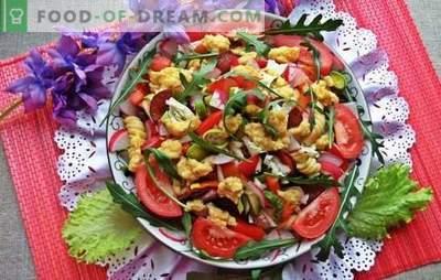 Insalate festive senza maionese - non faranno male alla figura! Ricette di carne, verdure, insalate di funghi senza maionese per la tavola festiva