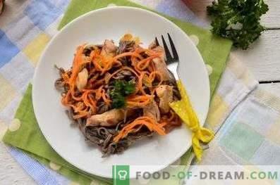 Tagliatelle di grano saraceno con pollo e verdure