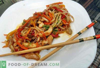 Gli Udon noodles sono le migliori ricette. Come cucinare correttamente e gustosi spaghetti di udon a casa.